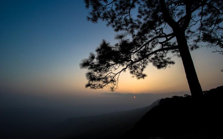 พระอาทิตย์ตก อุทยานแห่งชาติภูกระดึง - Phu Kradueng National Park