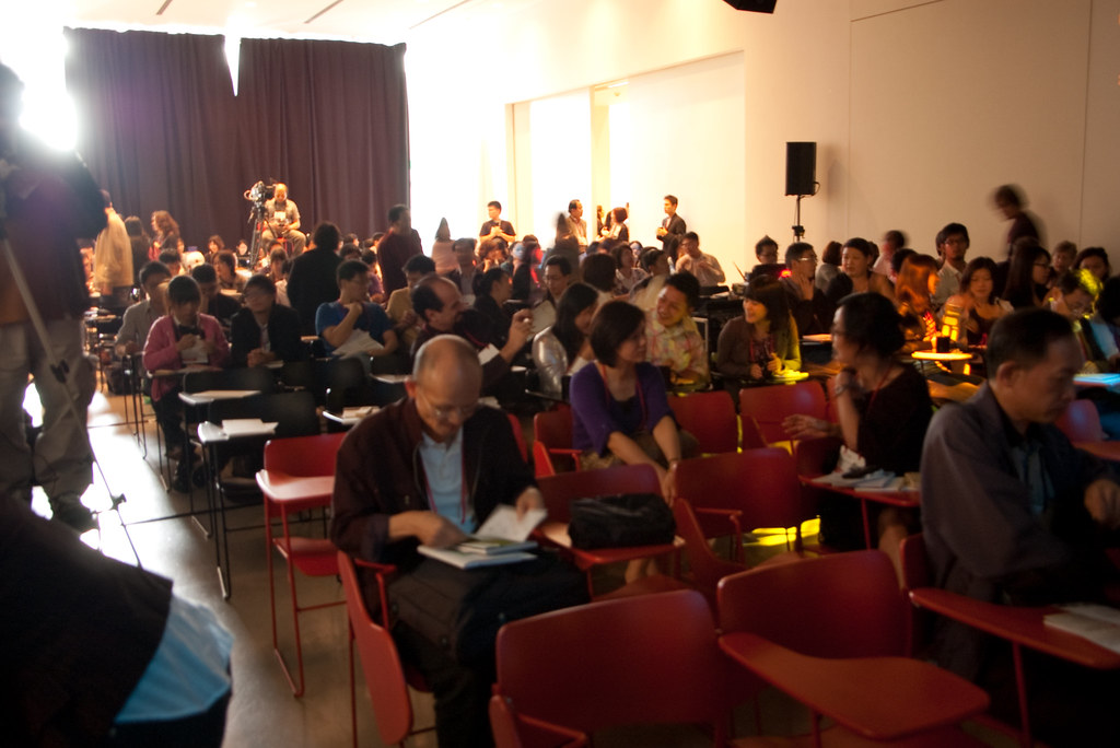 Ted x Taipei   在這種社交場合理,最特別的是身旁的組合份子,我旁邊座了一個美國律師,晚上跟Ideo的人類學 ...