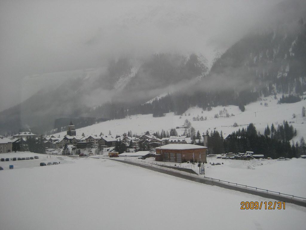 IMG_5994 | 雪山火車在雪原上飛馳著。瑞士擁有世界上海拔最高的火車。一年四季接送滑雪愛好者到達那些滑雪 ...