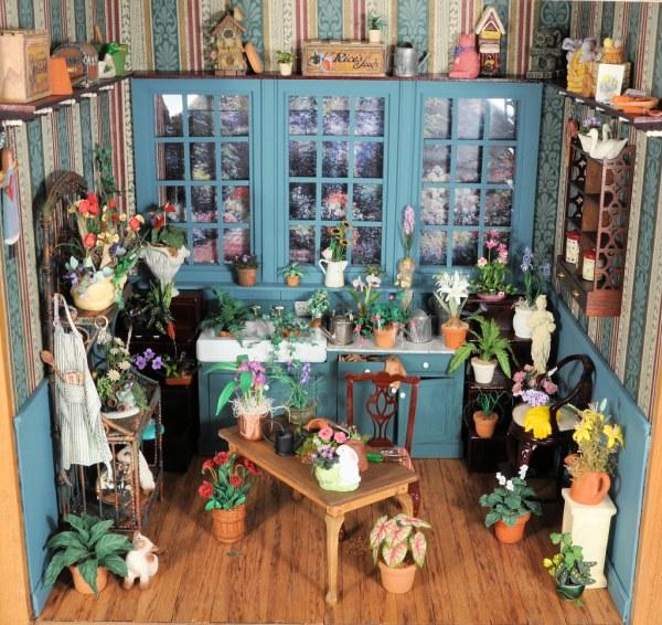 gardening room 1 12 scale dollhouse