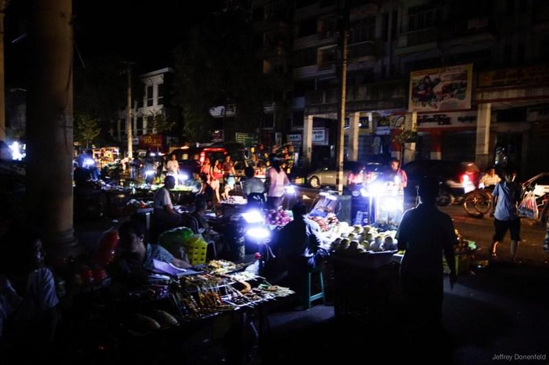 2013-05-05 Yangon - DSC09037-FullWM