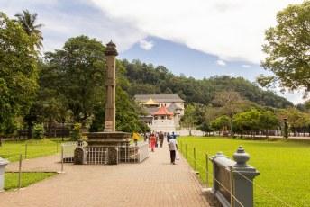 volgende onderdeel van de trip, de culturele driehoek. Te beginnen met Kandy, met de tempel van de tand.