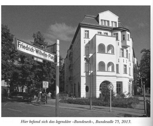 030 Weltberühmt in Friedenau - Alte Wilde Korkmännchen auf dem Friedrich-Wilhelm-Platz