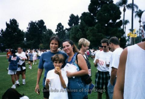 P197.038m.r.t AIDS Walk San Diego 1997: Qualcomm team members on grass area