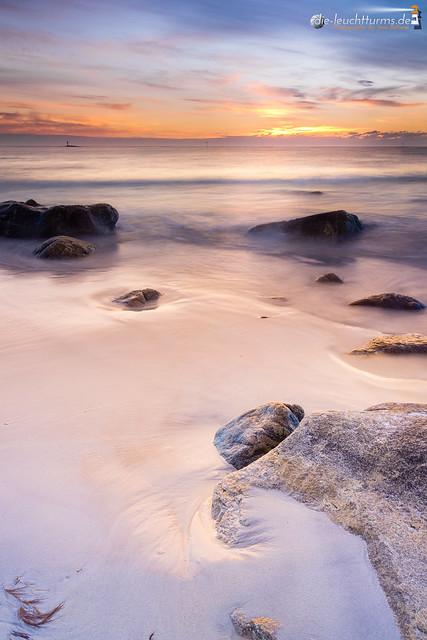 Setting sun at Bleik beach