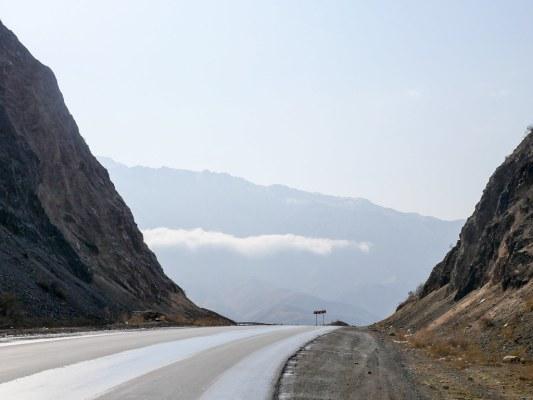 Leaving Lake Toktogul towards Osh | Jan, 2016