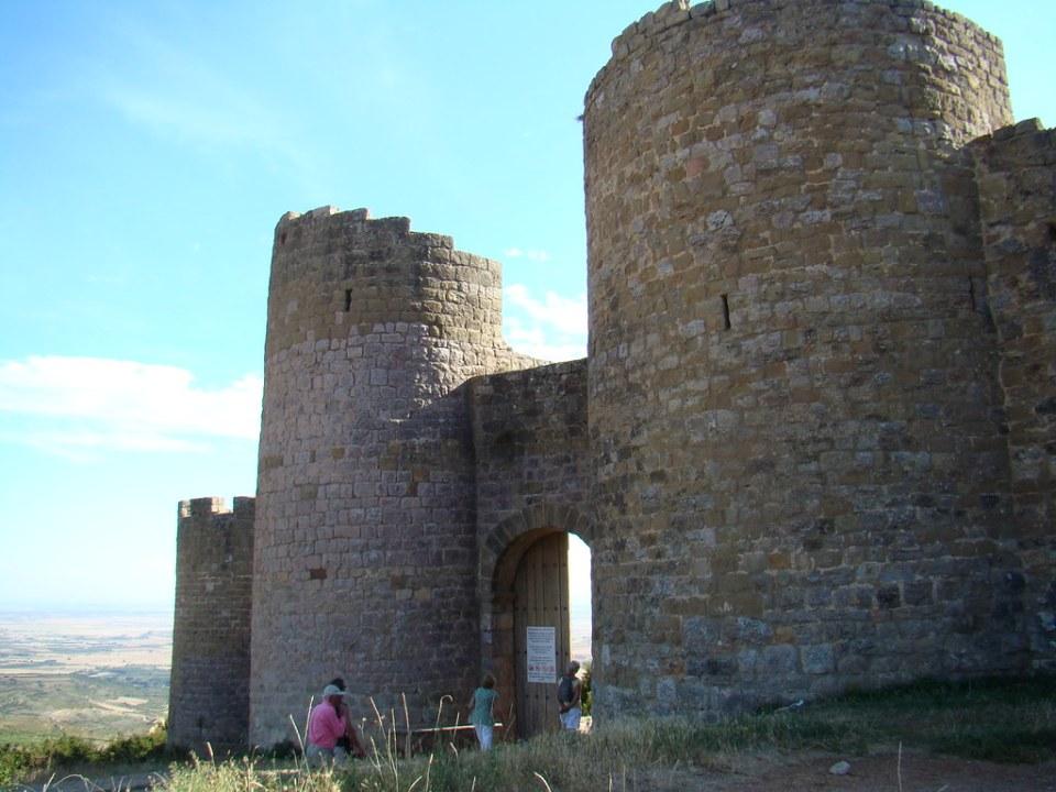Castillo de Loarre Puerta oriental exterior Huesca 08