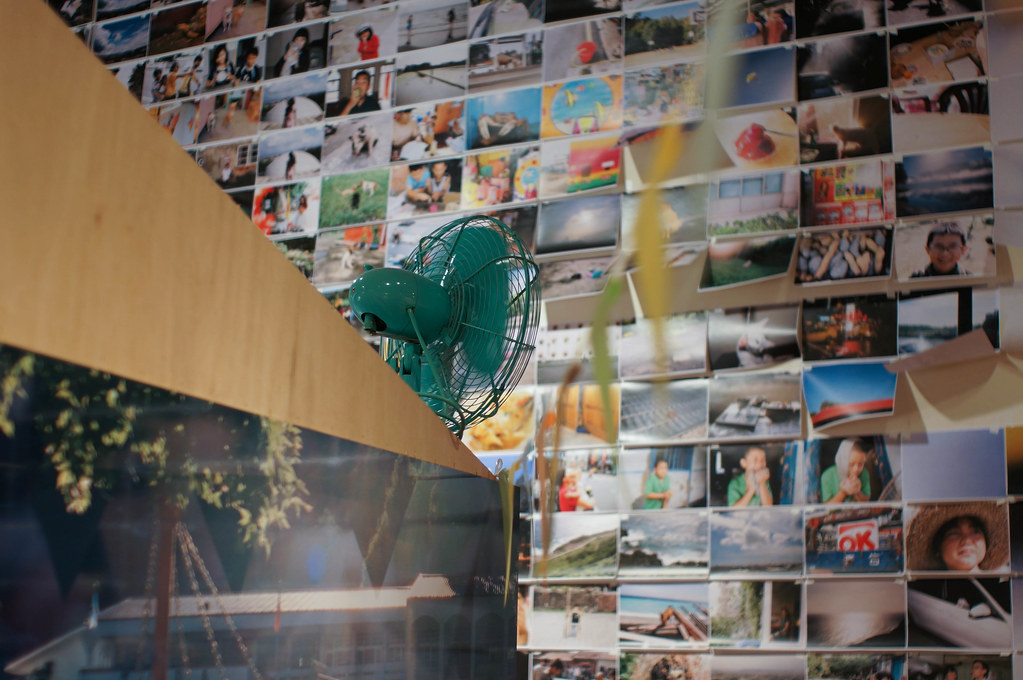 DSC09829   《明星》川島小鳥寫真展 2015/05/29-2015/06/14 誠品信義店6F展演廳 NEX-…   Flickr