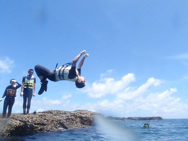 山水 陽光阿有浮潛   山水沙灘-天然秘密基地值得您來!!! 安全的防護隨你怎跳..跳出你的風格。 再來 ...