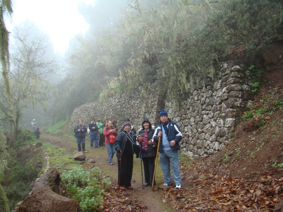 Senderistas invierno cumbre Gran Canaria 22