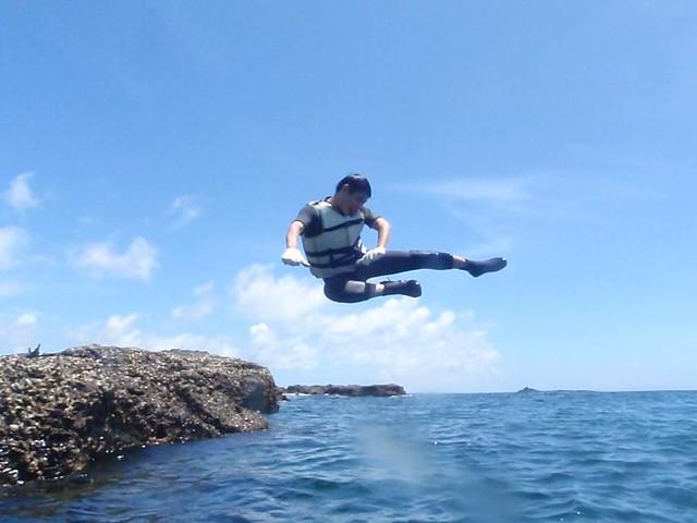 山水 陽光阿有浮潛   山水沙灘-天然秘密基地值得您來!!! 安全的防護隨你怎跳..跳出你的風格。 浮潛 ...