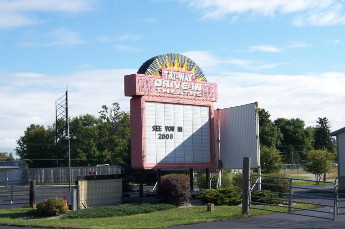 Tri-Way Drive-In, Plymouth