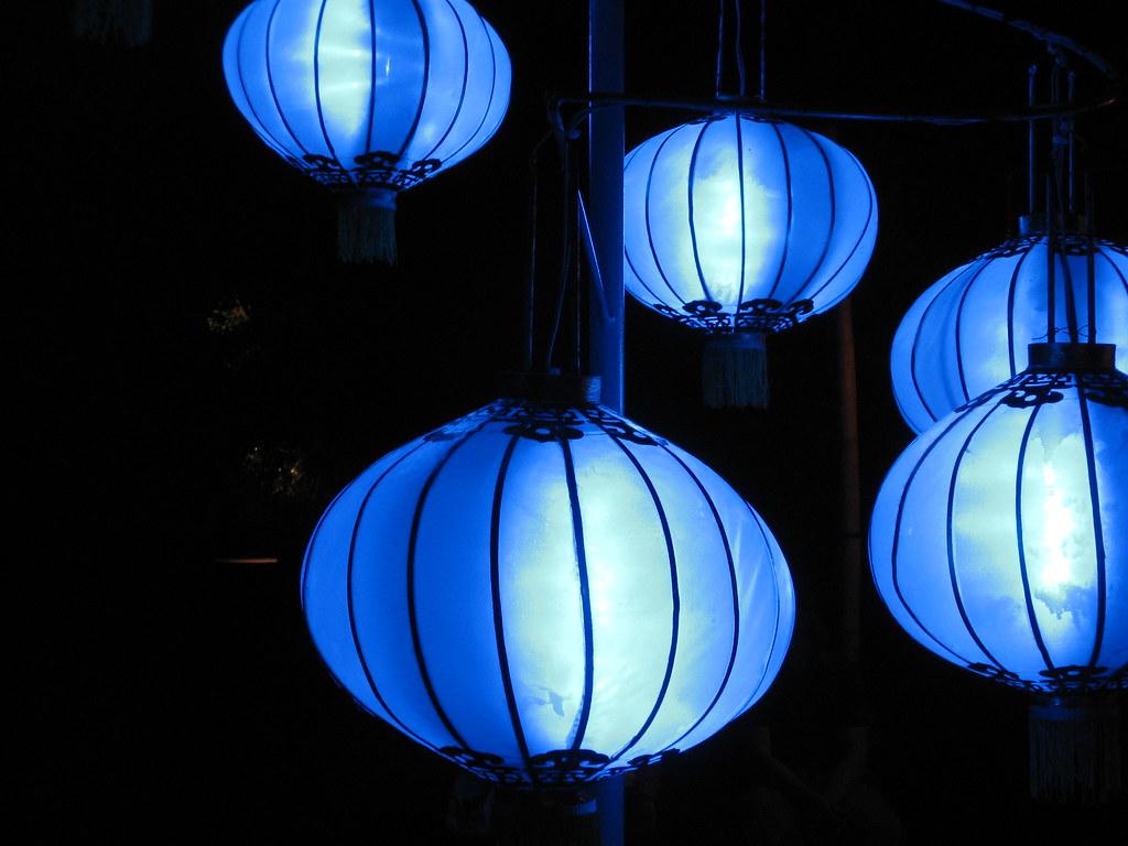 blue chinese lanterns fannybourque