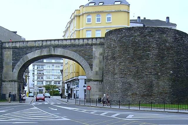 Puerta de San Fernando (Muralla de Lugo) | Inaugurada en 185… | Flickr