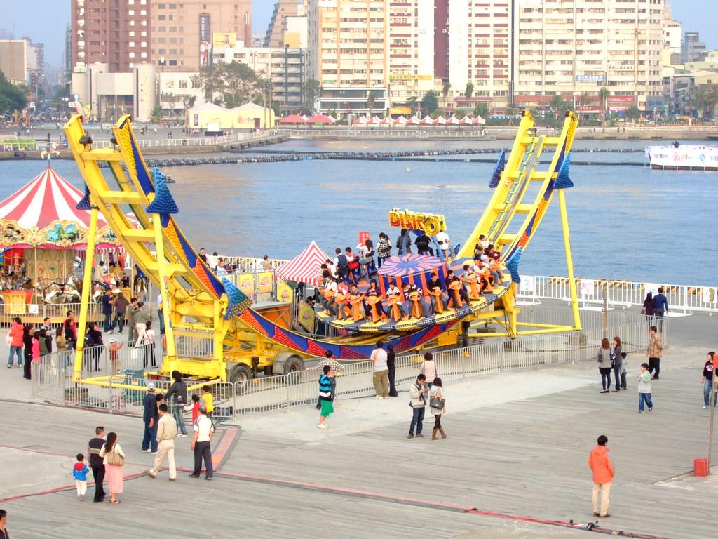 高雄市自行車道_西臨港線_77_世運嘉年華會場   Scarfman   Flickr