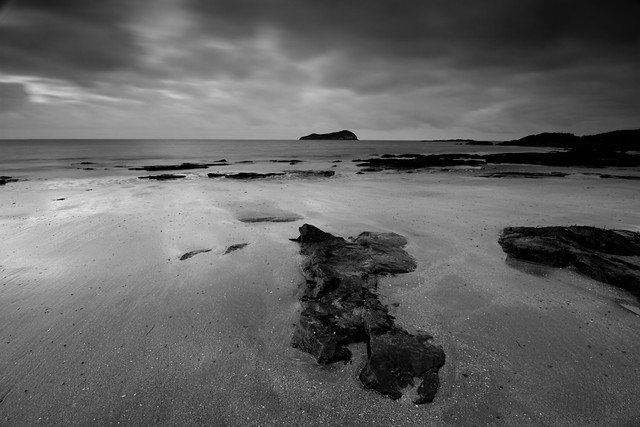 Dark skies over Craigleith II (Mono)