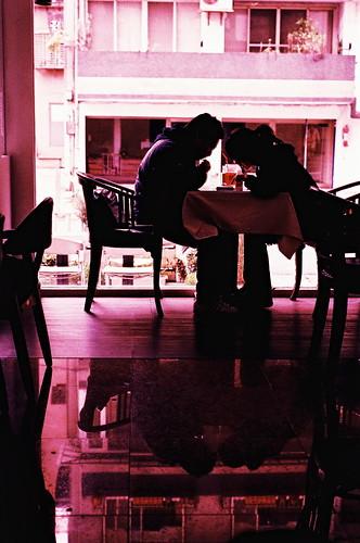 正片負沖   正片負沖~拍了ㄧ年多的正片終於洗出來了~劇中情侶搞不好小孩都生了~哈哈~   Gary   Flickr