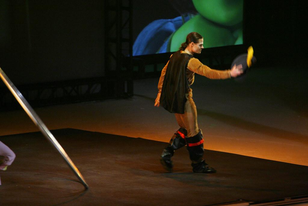 Shrek   Movie Magic: Aerial Acrobatics & Ice Skating Show CN…   Flickr