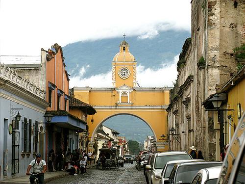 """""""Calle del Arco"""" Antigua Guatemala"""