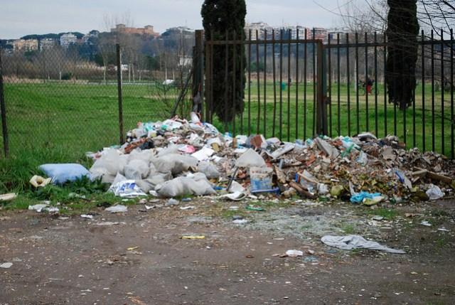 Rubbish dumped, Rome