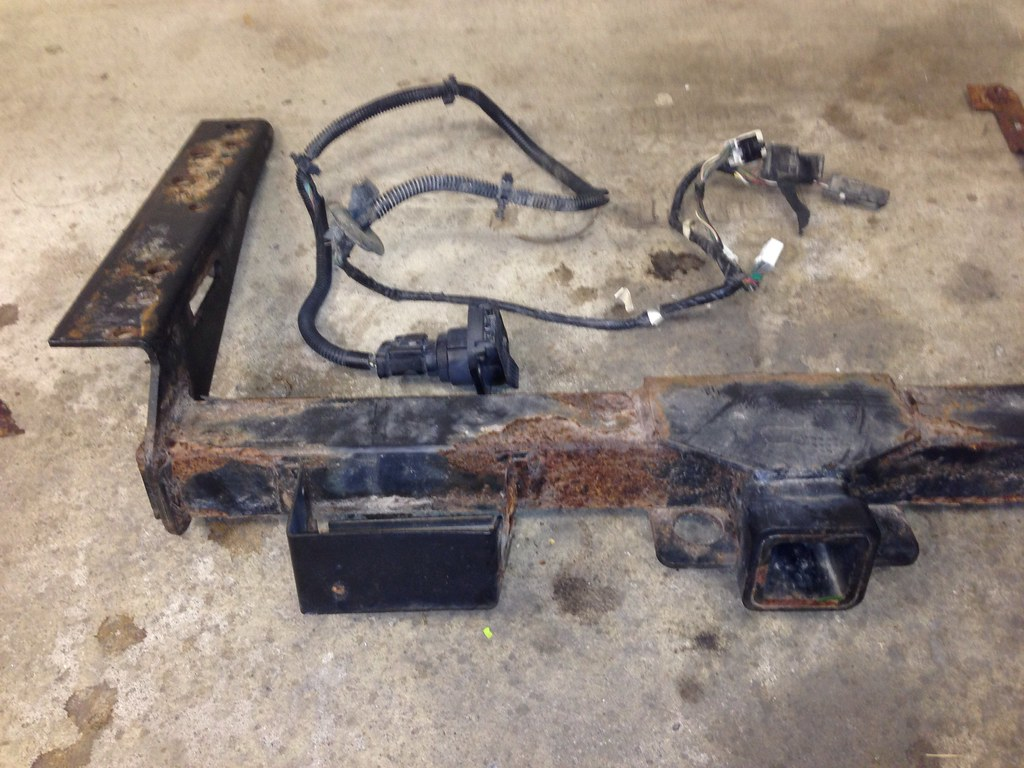 hight resolution of  2001 jeep cherokee factory trailer wiring harness and hitch by nomad55