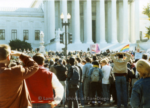 P019.248m.r.t Second March on Washington 1987: Crowd of protesters outside the U.S. Supreme Court