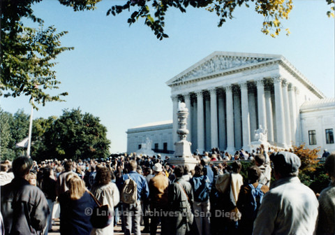 P019.238m.r.t Second March on Washington 1987: Crowd of people outside the U.S. Supreme Court