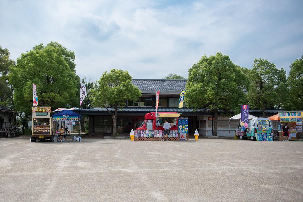 DSC_0708   大阪城內的一些小販賣車 都弄得很乾淨。有特色   FerrariF50   Flickr