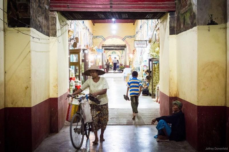 2013-05-14 Mandalay - DSC01930-FullWM
