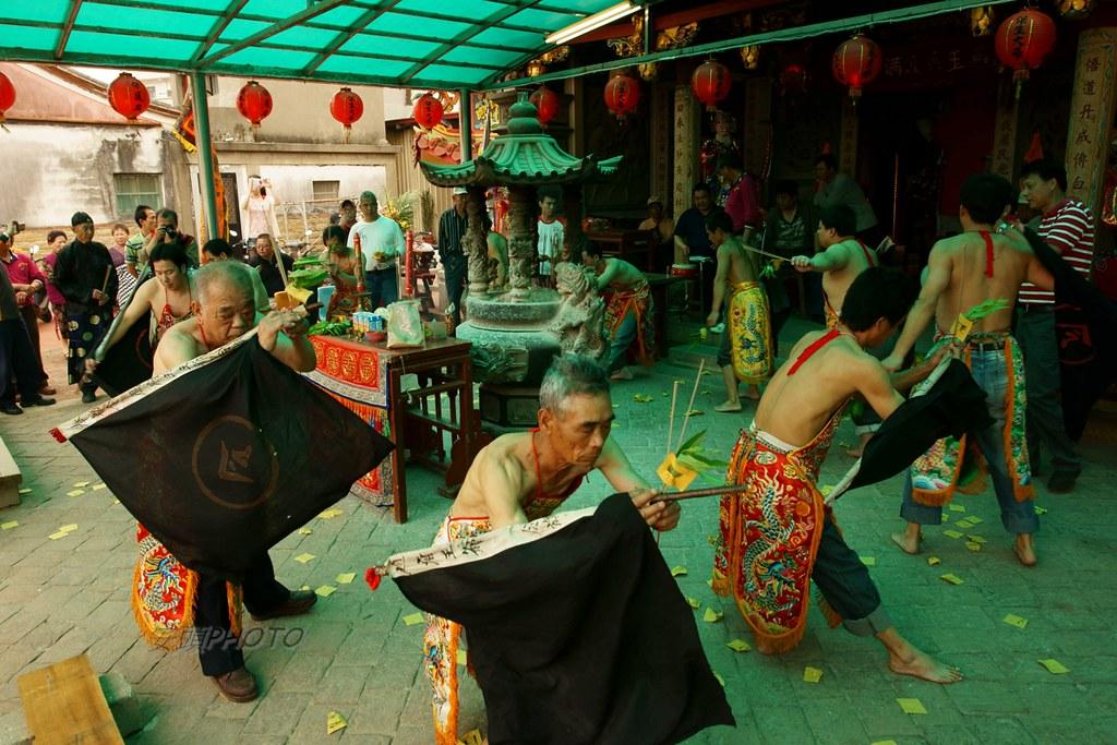 金門瓊林傳統儀式- 進金紙 | 金門傳統廟會儀式 | 安頭(金門) | Flickr