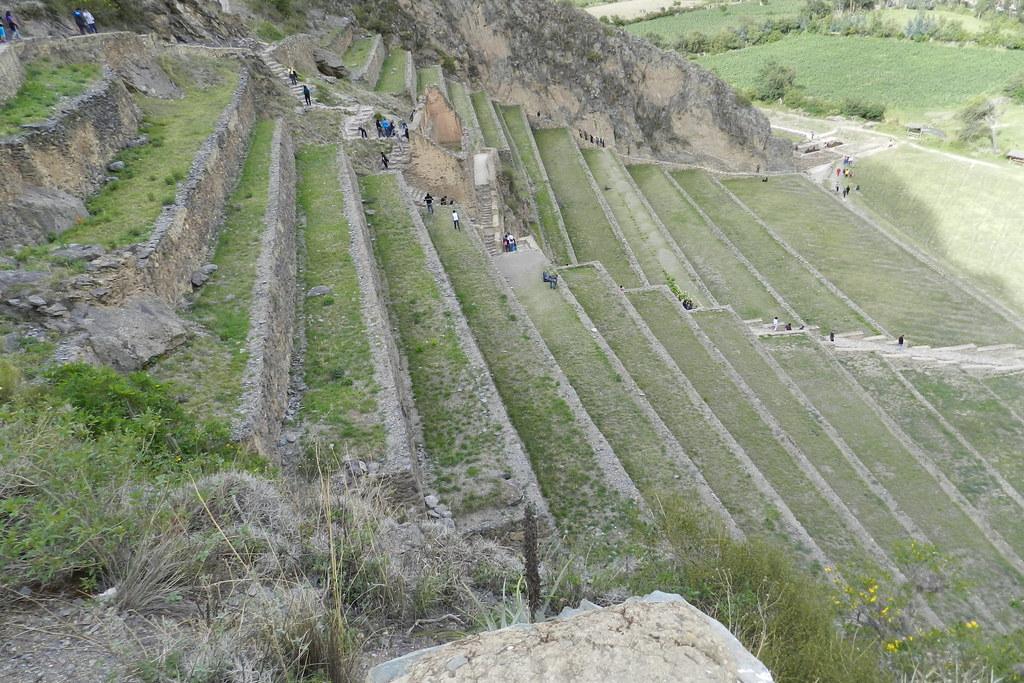 Andenes o terrazas escaleras Sitio Arqueológico de Ollantaytambo Perú 20