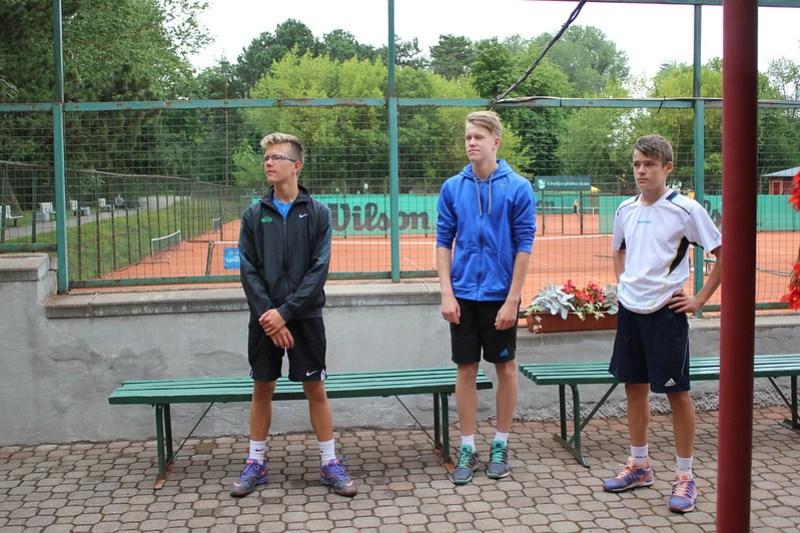 """LTSS un """"Yonex"""" balvas izcīņa tenisā U14 un U18 vecuma grupām 2015"""