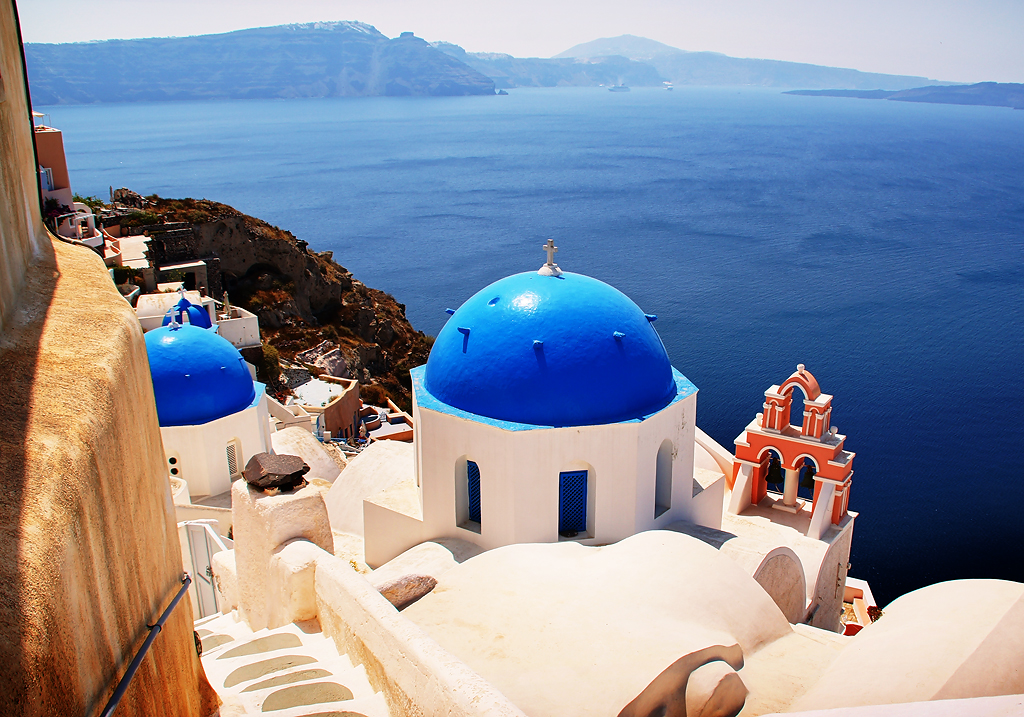 Famous Blue Domed Churches at Oia Santorini Greece | Flickr