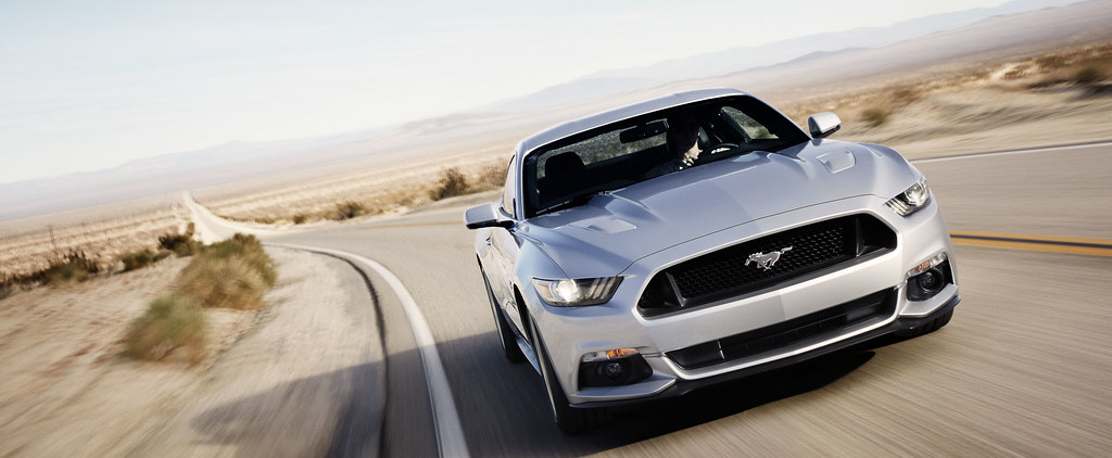 2015 Ford Mustang - SMADEMEDIA.COM