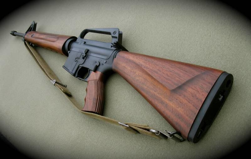 ar 15 with wood