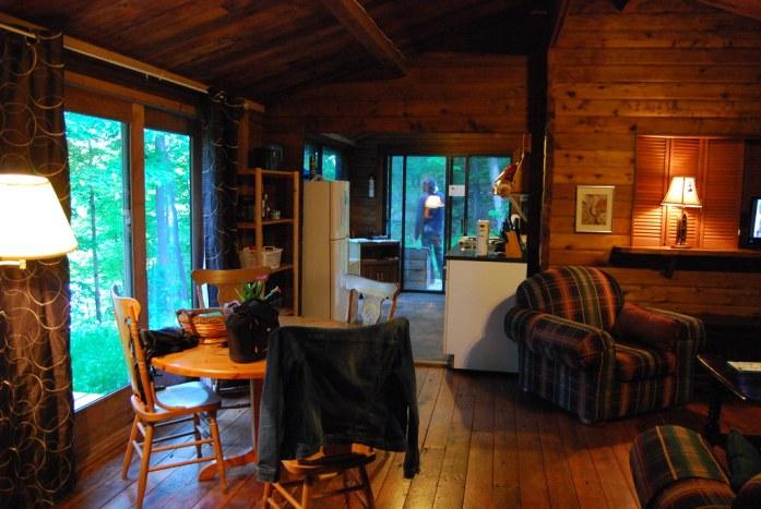 Cabaña en el bosque cerca de Algonquin, Ontario, Canada