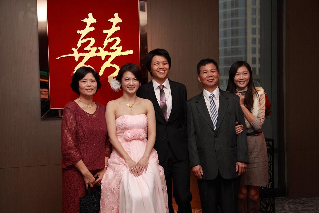 2011-12-24 婚禮照片(魏師伯&宏州拍攝)-2   Flickr