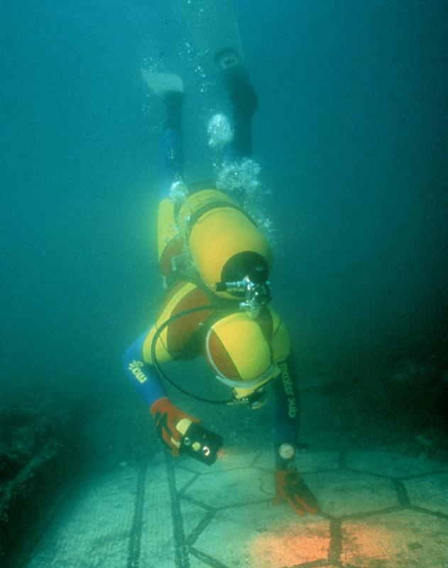 La città romana sommersa di Baia, Campi Flegrei / The Roman sunken city of Baia, Phlegrean Fields, Italy
