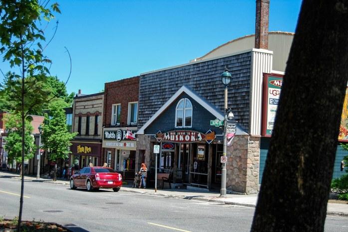 Calle principal de Huntsville, Ontario, Canadá