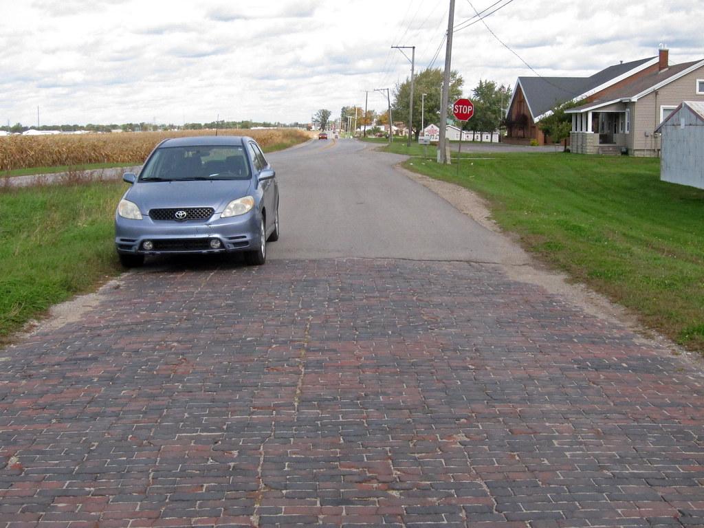 Brick Lincoln Highway