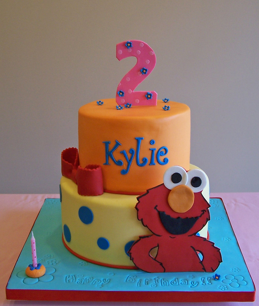 Elmo Cake A Girly Elmo Cake Have A Good Night Everyone Flickr