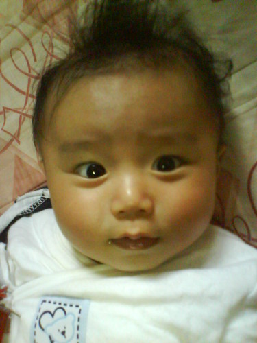 好愛皺眉頭的嬰兒   也太新潮的嬰兒了吧 !!!!! 叔叔好愛你   Kyan Lai   Flickr