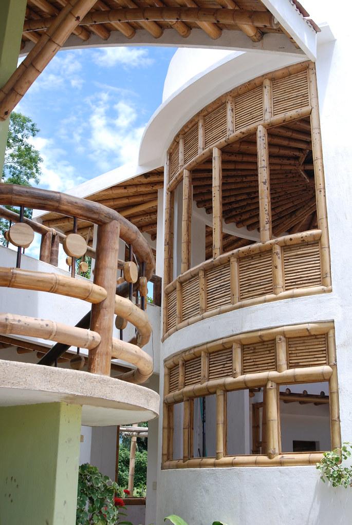 Guadua Bamb Detalles ventanas y barandas casa  wwwzuarq