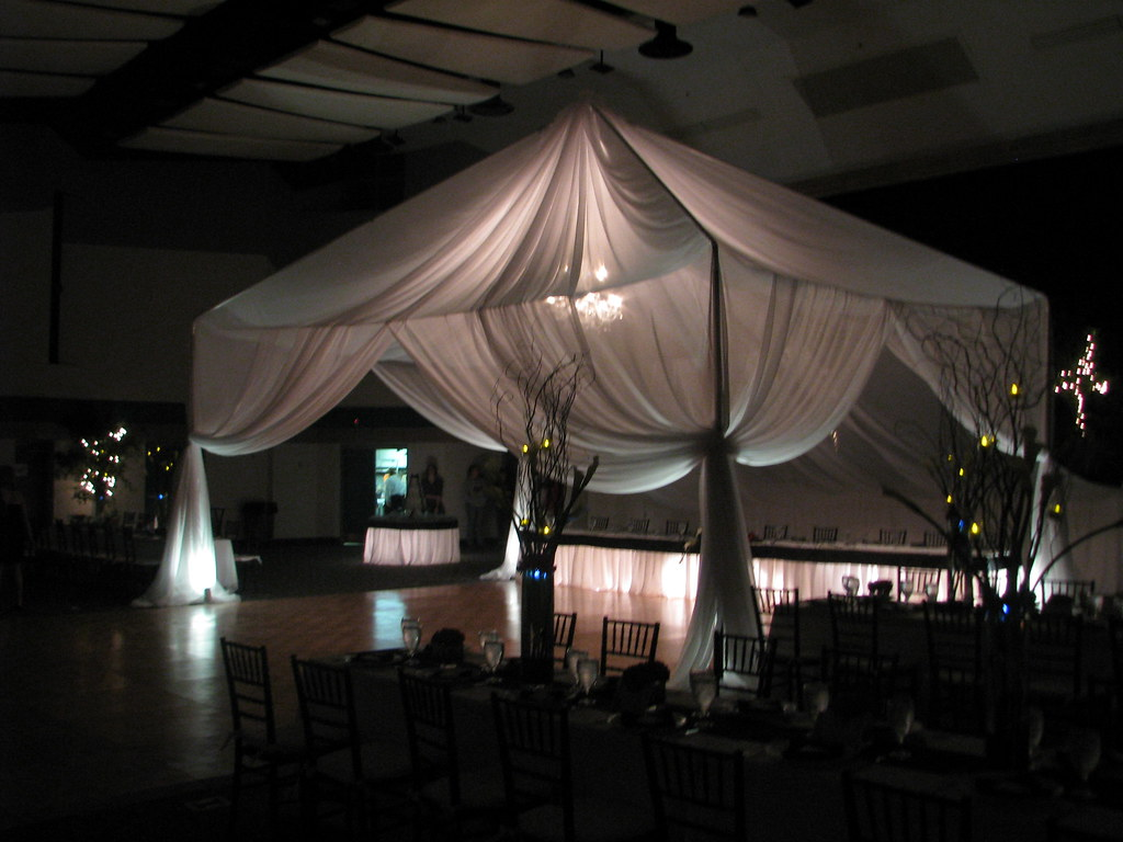 77 Nora Mayo Hall Winter Haven Florida  Specialty tent