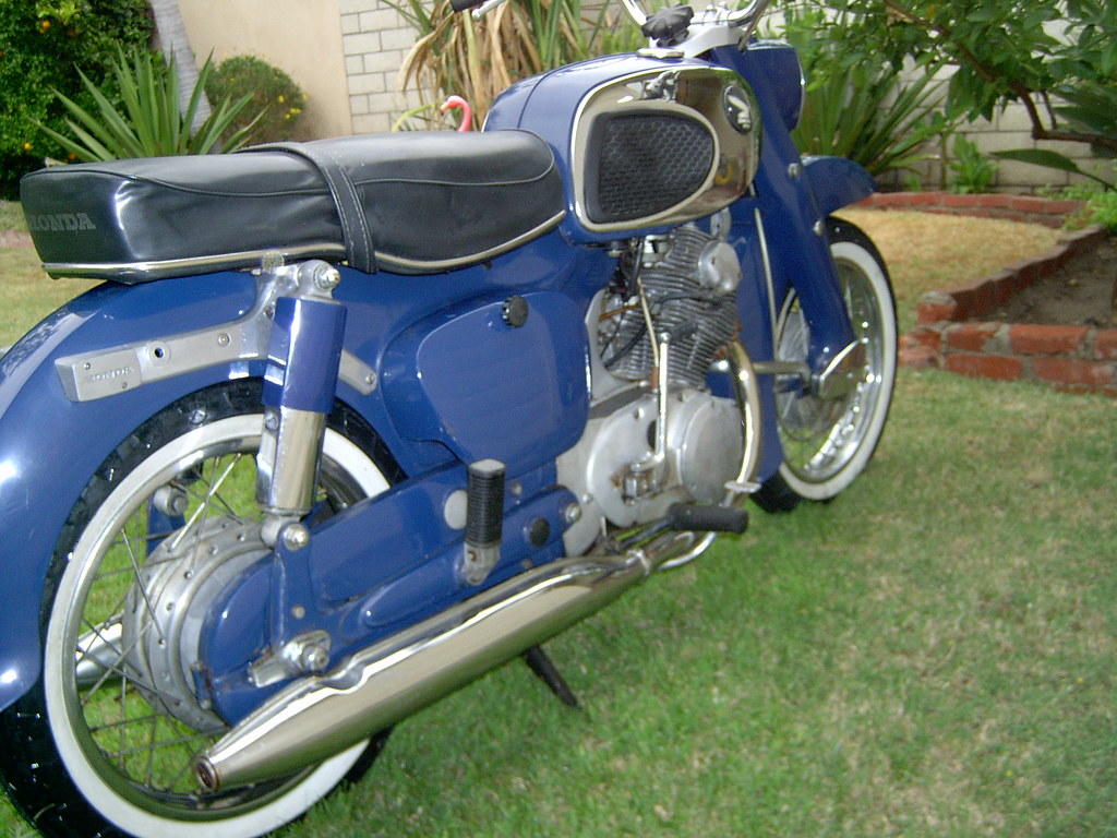 hight resolution of  vintagemoderntown 1969 honda dream 305 motorcycle by vintagemoderntown