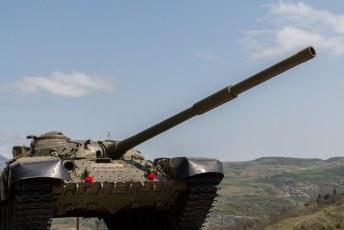Een tank die heeft meegevochten in de oorlog tegen Azerbeidzjan.