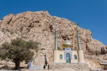 We gingen vanuit Shiraz op expeditie naar de belangrijkste bezienswaardigheden van Iran. Onderweg was het weer moskeeën galore.