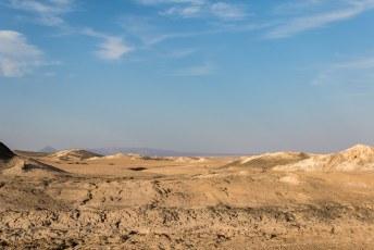 Aan de ene kant zijn die woestijnen troosteloos, aan de andere kant ook wel weer mooi.
