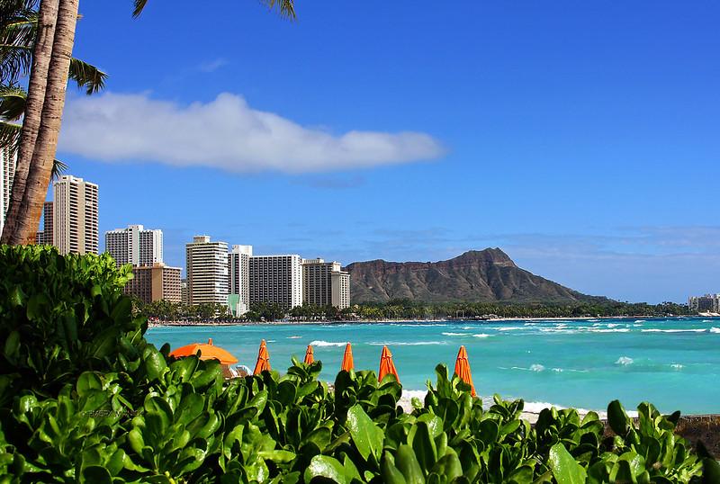 Diamond Head from Wikiki Beach-Honolulu Hawaii 01129