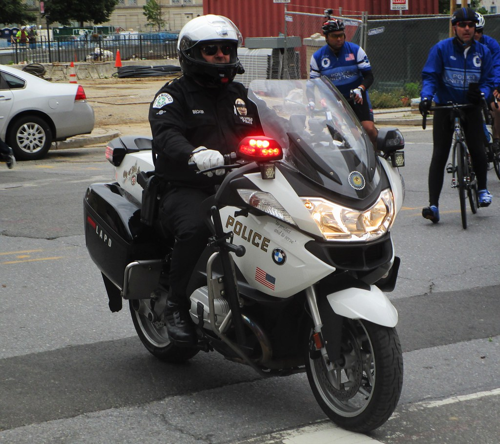 hight resolution of  northernvirginiapolicecars los angeles police department bmw r1200rt motorcycle by northernvirginiapolicecars
